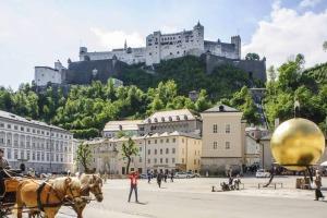 Stadt Salzburg mit Blick auf die Burg