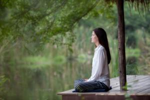 In der Ruhe liegt die Kraft. Ein Wellnessurlaub bietet eine Möglichkeit der Hektik des Alltags zu entkommen.