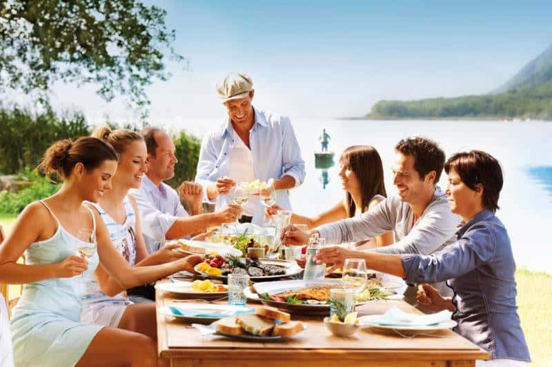 Kärnten begeistert durch eine bunte Auswahl an Freizeitaktivitäten und traumhafte Seen.