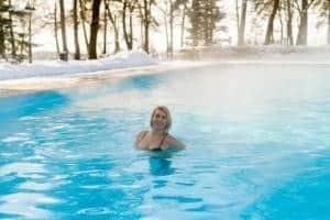 Beheizter Pool im Winter