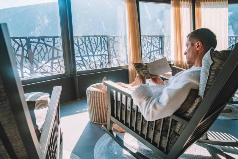 Entspannung nach Sauna im Winter